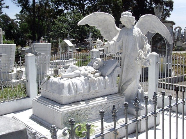 Leyenda de La niña del Ángel en el Panteón